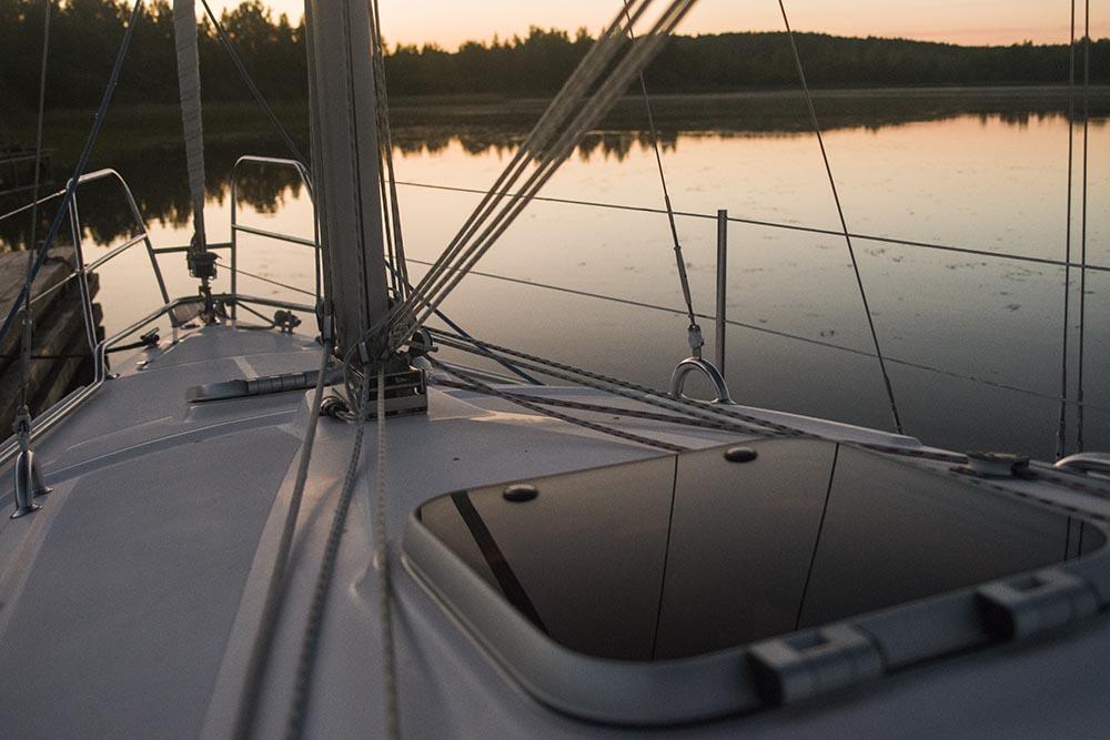 Billy.by яхта Мечта на Минском море на закате