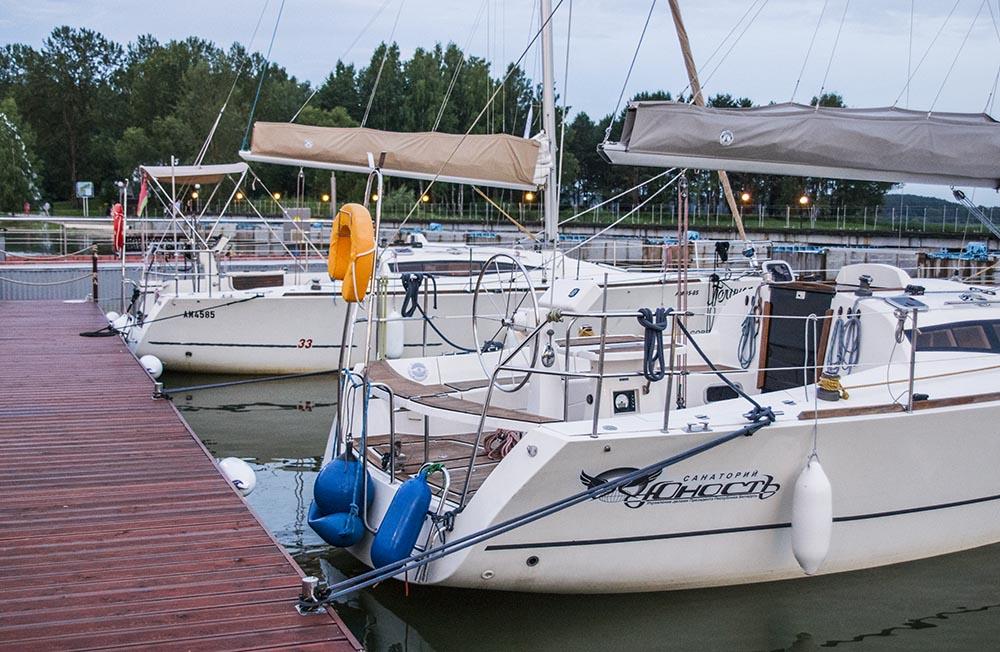 Яхты Палундра и Дольче вита на минском море